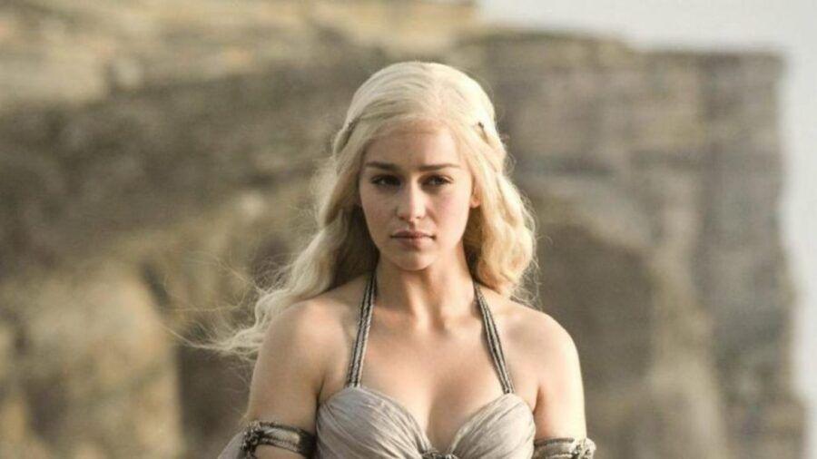 Emilia Clarke Desestima Los Desnudos De Game Of Thrones Playview